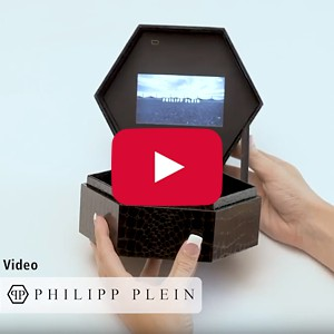 "Video Boxes:  4.3"", USB Port, 0 Menu Buttons - Product Example: Philipp Plein"